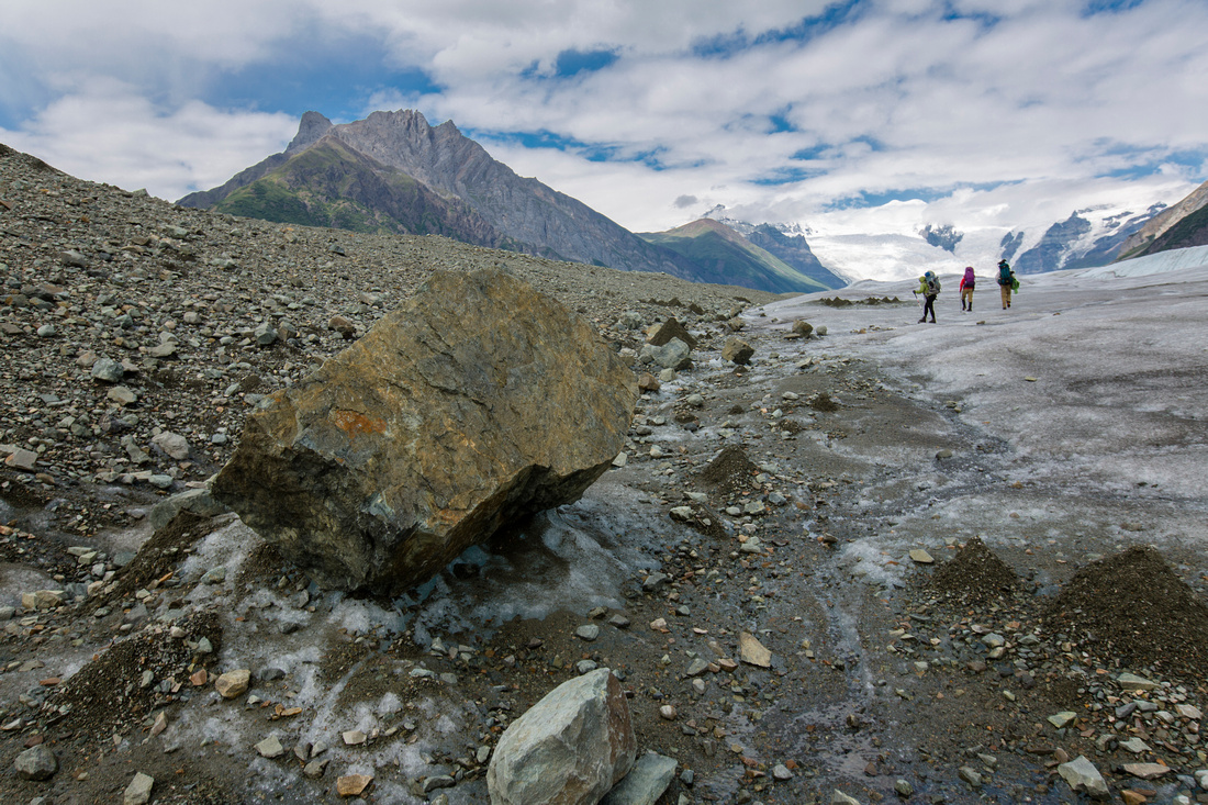 Backpackers Exploring the Root Glacier (13)