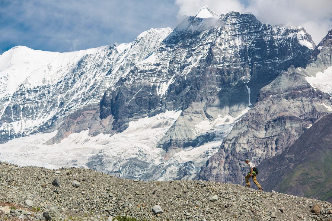 Hiking the Kennicott Glacier Lateral Moraine (2)