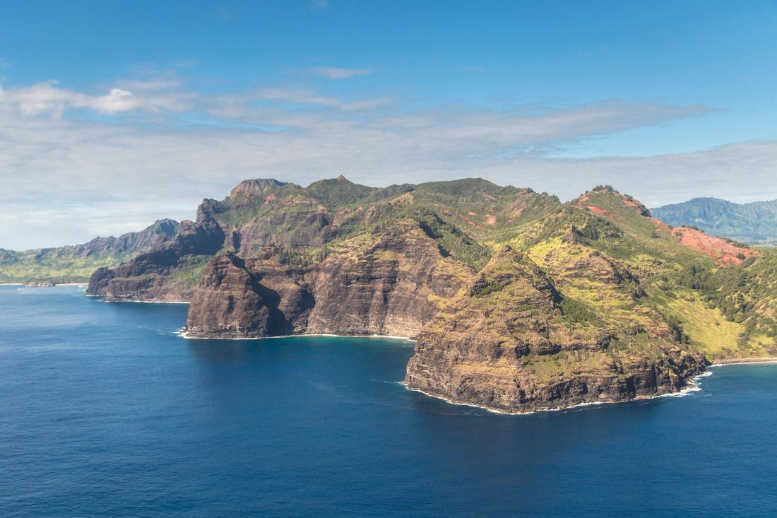 Flying Into Kauai