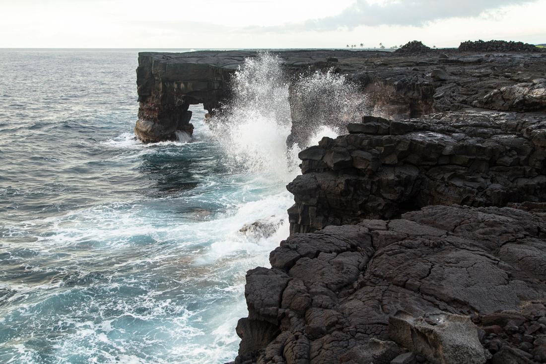 Sea Arch Near Apua Point