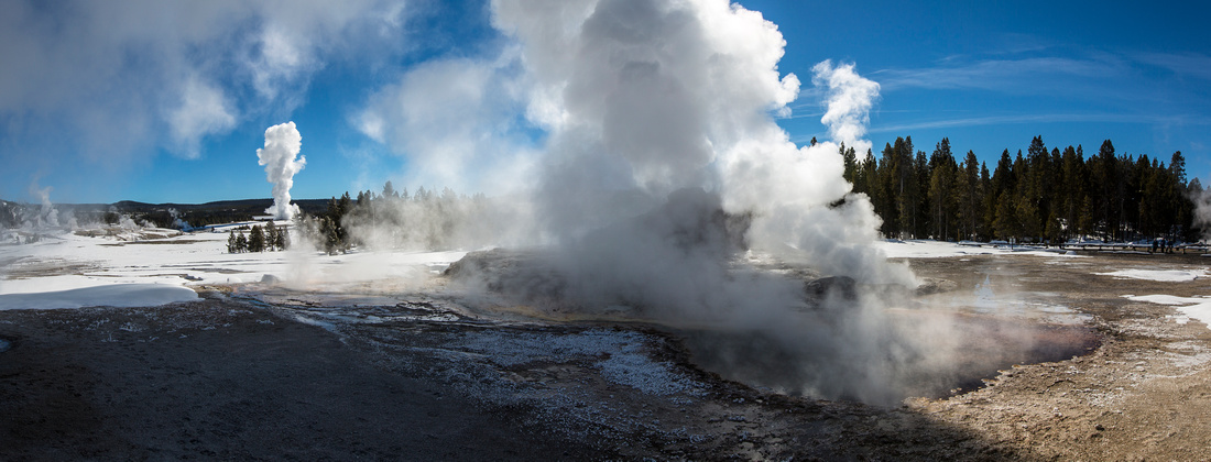 Castle and Old Faithful Synchronized Eruptions