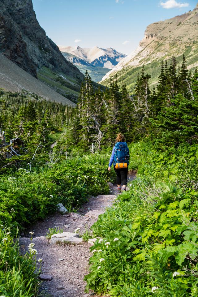 Hiking back to the Cracker Lake Trailhead