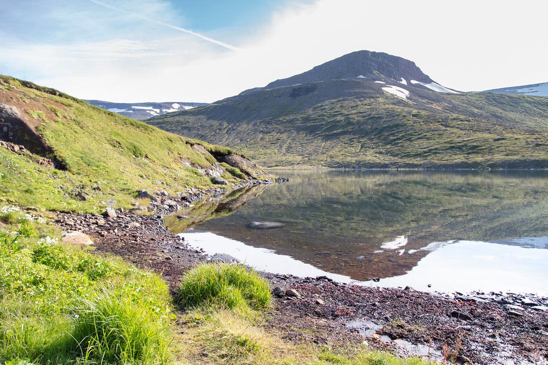 veiðileysufjörður reflections