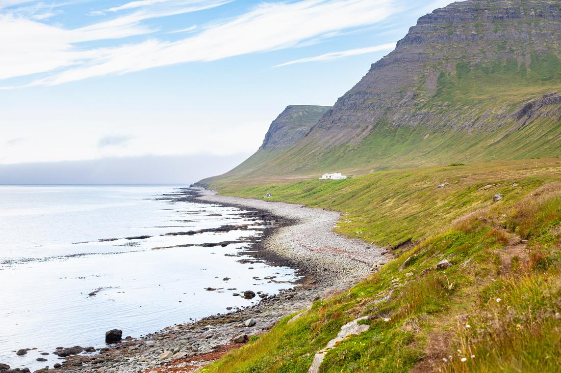 Private residence along the coastline of Hornvik