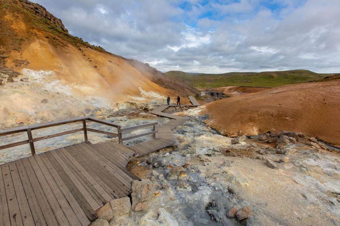Boardwalks through Krýsuvík