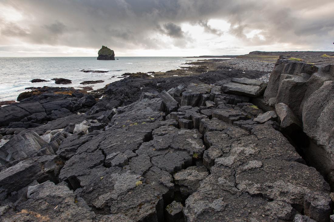 Coastline near Reykjanes Lighthouse (2)