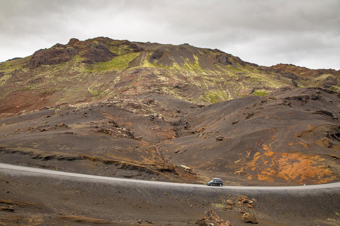 Road along Kleifarvatn