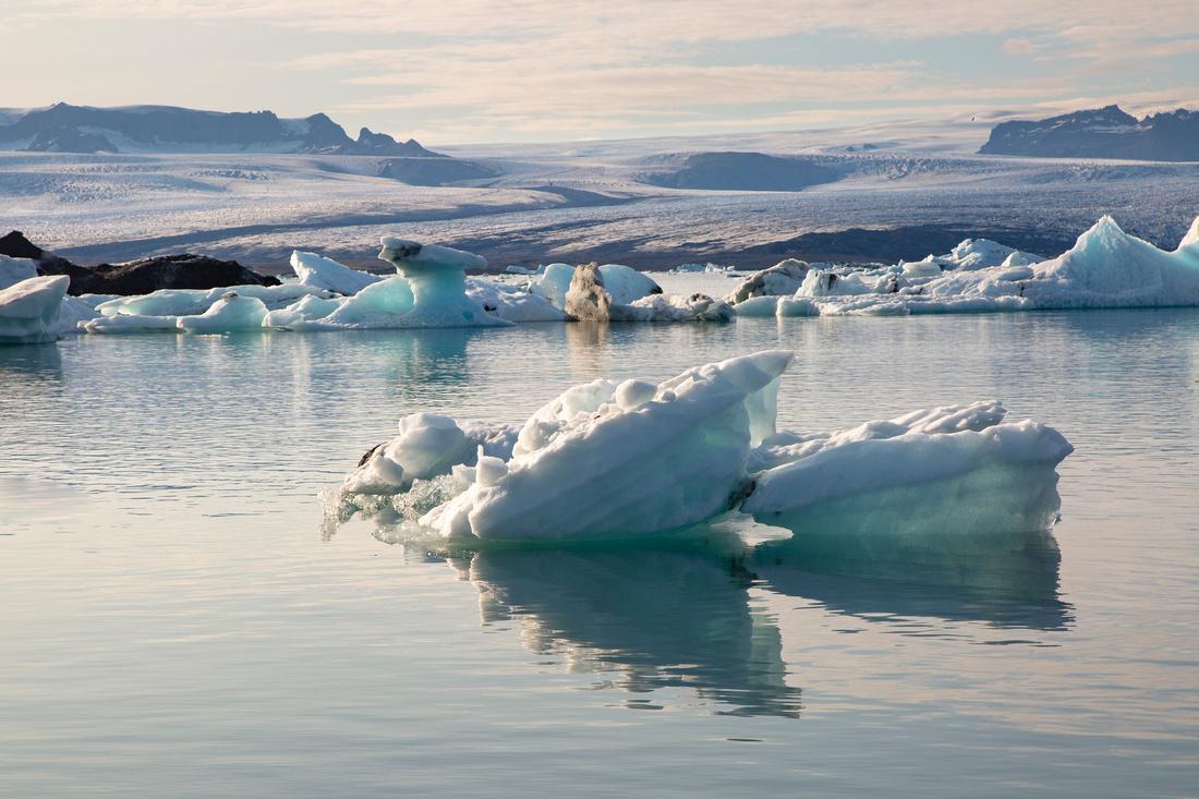 Jökulsárlón and icebergs (2)