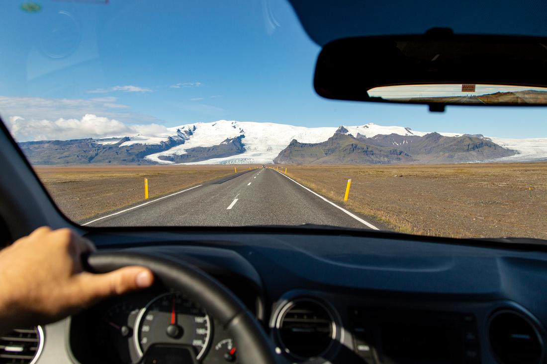 Driving towards Vatnajökull National Park.