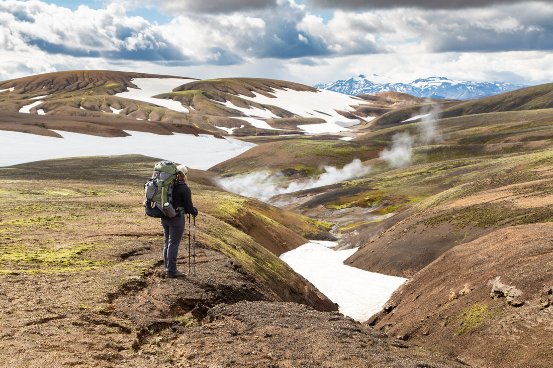 Corrie takes in the views along the trail Álftavatn from Hrafntinnusker