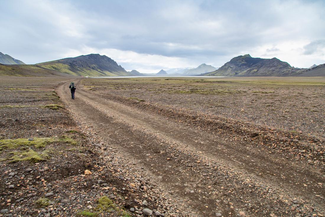 Corrie arrives at Álftavatn