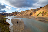 Corrie hikes back to camp in Landmannalaugar (2)