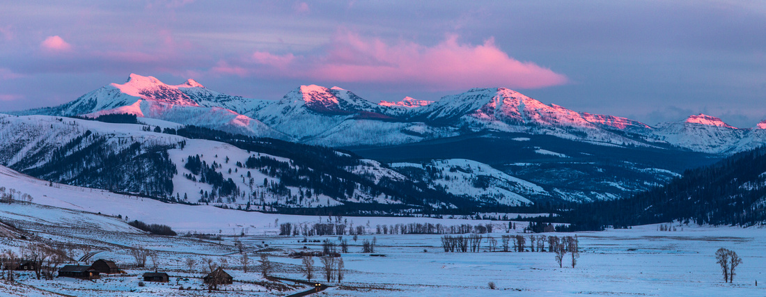 Alpenglow in Lamar Valley