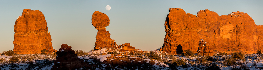 Full Moon at Balanced Rock Panorama