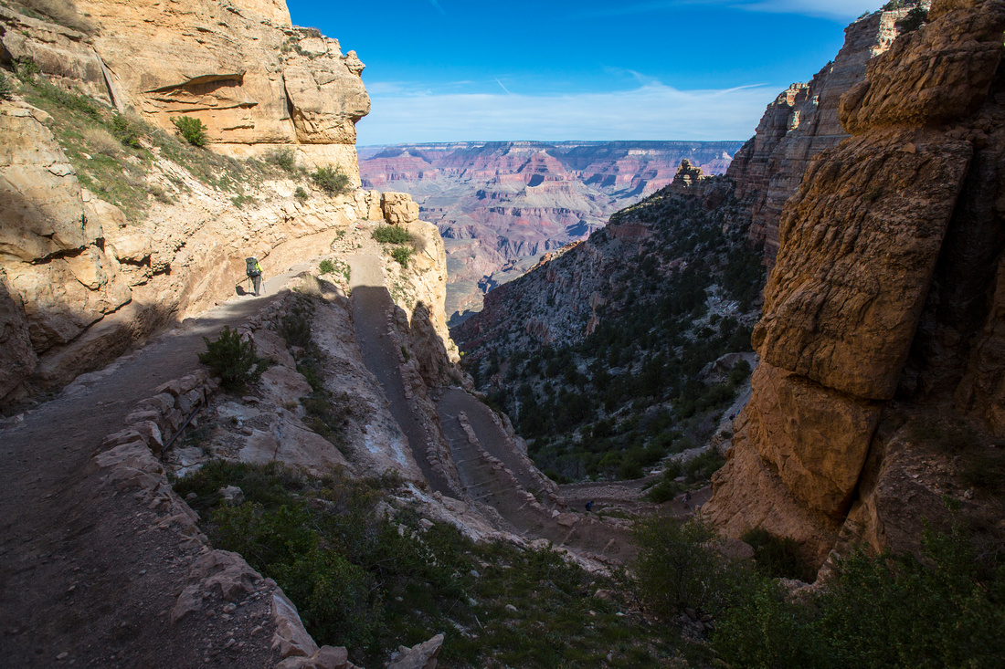Hiking down the South Kaibab Trail